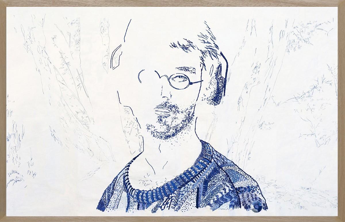 hombre azul con marco_baja